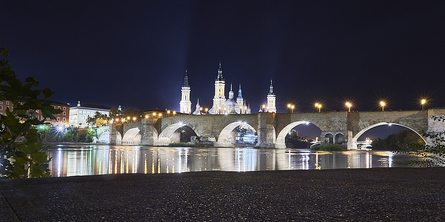 Stone Bridge and Basilica of El Pilar in Zaragoza | LENS MODEL NOT SET <br> Click image for more details, Click <b>X</b> on top right of image to close