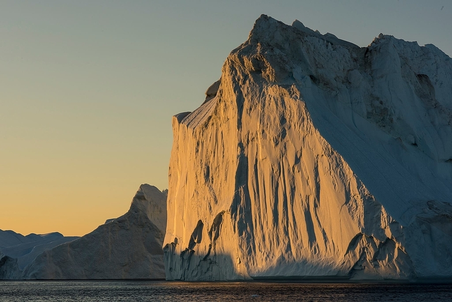 Illulisat iceberg | ZEISS MAKRO PLANAR F2.0 100MM <br> Click image for more details, Click <b>X</b> on top right of image to close