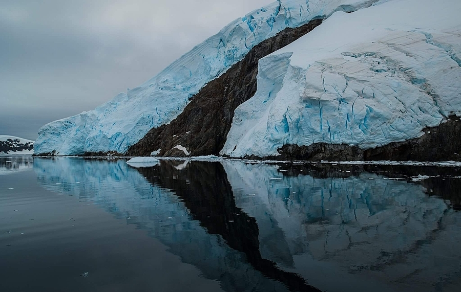 Lemaitre Channel, Antarctica | ZEISS MILVUS 21MM F2.8 <br> Click image for more details, Click <b>X</b> on top right of image to close